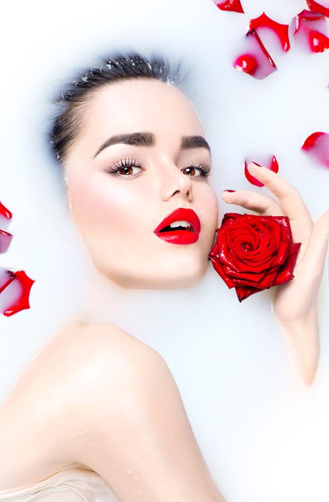 玫瑰花牛奶性感美女摄影
